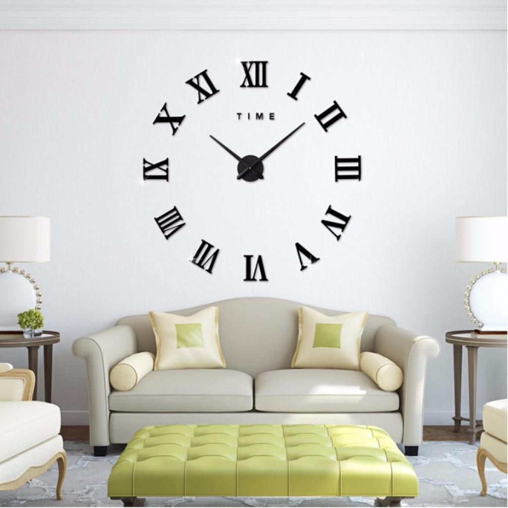 Orologio da parete senza quadrante e cornice con numeri romani